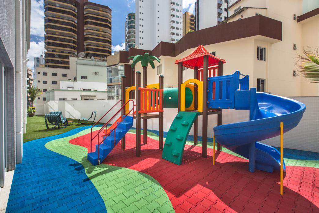 acqualina-residence-lazer-playground.jpg