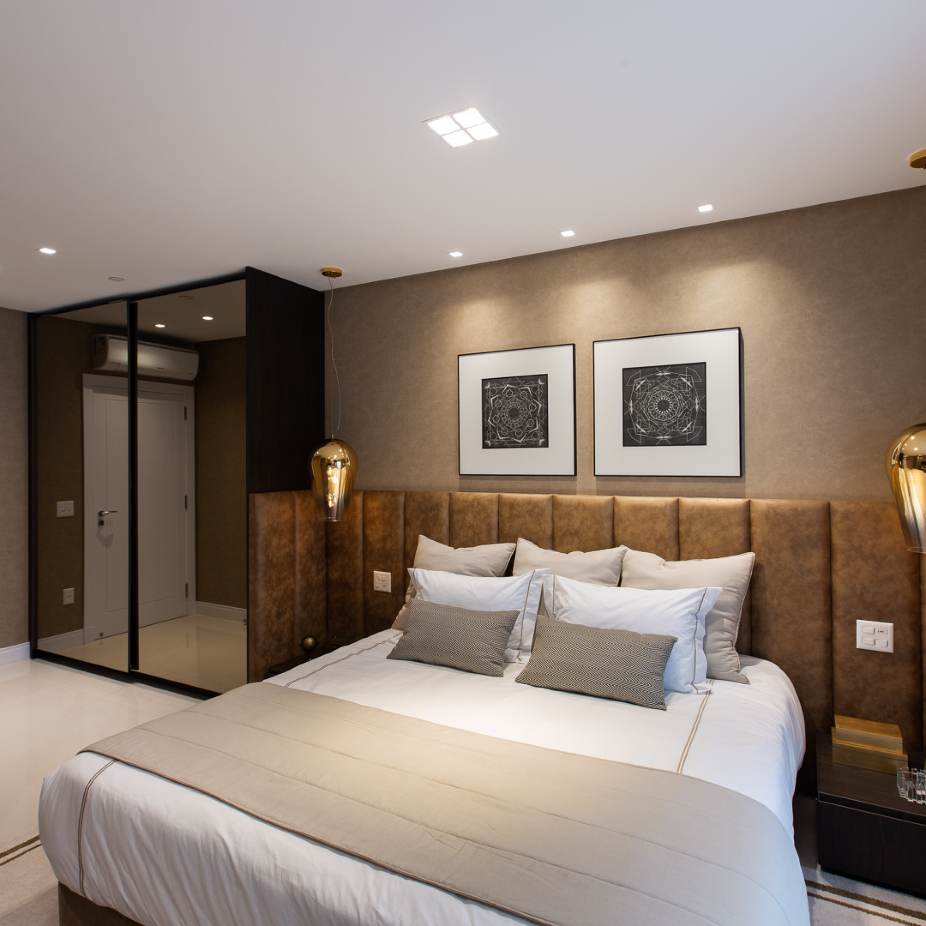 new-york-apartments-suite-master.jpg